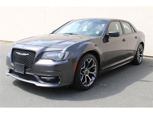 2018 Chrysler 300 S (Stk: H195610) in Courtenay - Image 2 of 30