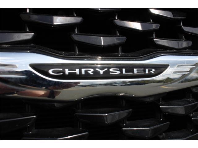2018 Chrysler 300 S (Stk: H195610) in Courtenay - Image 23 of 30