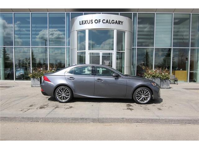 2019 Lexus IS 300 Base (Stk: 190473) in Calgary - Image 2 of 16