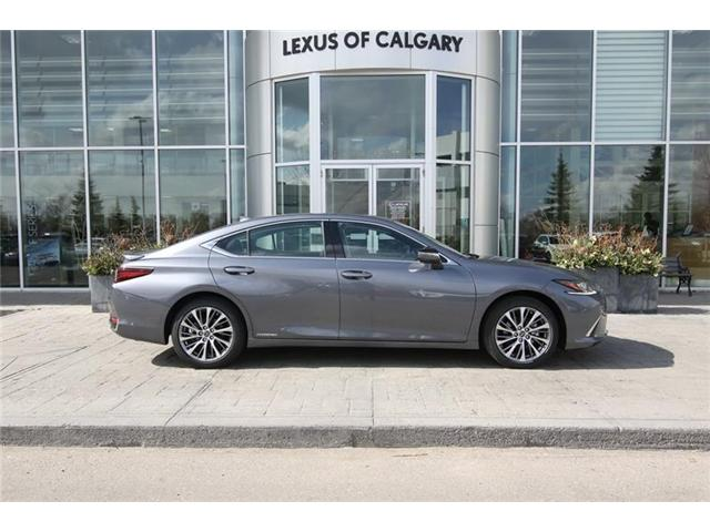 2019 Lexus ES 300h Base (Stk: 190503) in Calgary - Image 2 of 16