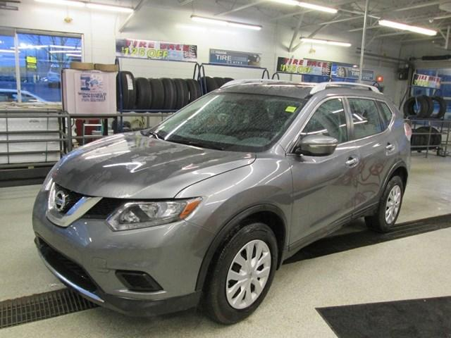 2015 Nissan Rogue SV (Stk: M2628) in Gloucester - Image 1 of 18