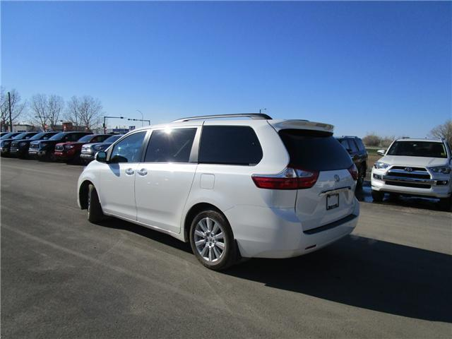 2017 Toyota Sienna Limited 7-Passenger (Stk: 19913711) in Moose Jaw - Image 4 of 47