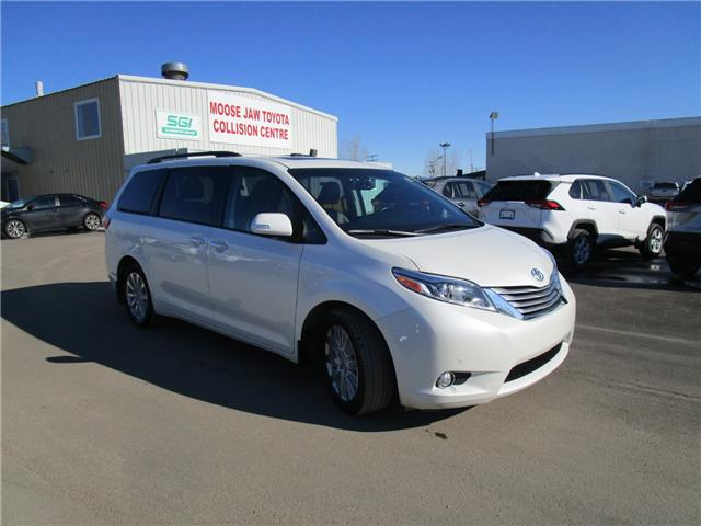2017 Toyota Sienna Limited 7-Passenger (Stk: 19913711) in Moose Jaw - Image 10 of 47