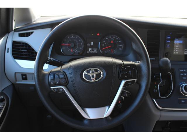 2017 Toyota Sienna 7 Passenger (Stk: S868158) in Courtenay - Image 8 of 27