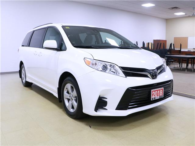 2018 Toyota Sienna LE 8-Passenger (Stk: 195270) in Kitchener - Image 4 of 30