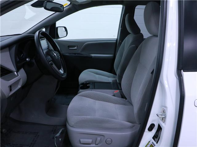 2018 Toyota Sienna LE 8-Passenger (Stk: 195270) in Kitchener - Image 5 of 30
