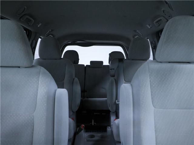 2018 Toyota Sienna LE 8-Passenger (Stk: 195270) in Kitchener - Image 17 of 30