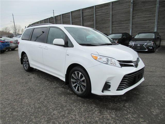2018 Toyota Sienna LE 7-Passenger (Stk: 16104A) in Toronto - Image 1 of 11