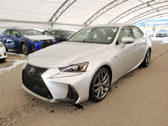 2019 Lexus IS 300 Base (Stk: L19362) in Calgary - Image 2 of 5