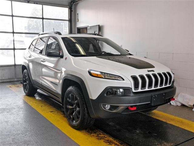 2018 Jeep Cherokee Trailhawk (Stk: 9-6042-1) in Burnaby - Image 2 of 22