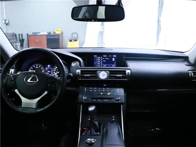 2016 Lexus IS 300 Base (Stk: 197082) in Kitchener - Image 6 of 30