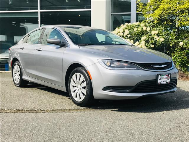 2016 Chrysler 200 LX (Stk: LF010050) in Surrey - Image 2 of 30