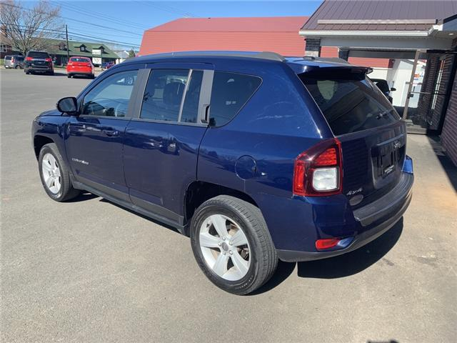 2017 Jeep Compass Sport/North (Stk: 194198) in Truro - Image 2 of 6