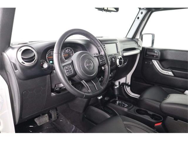 2018 Jeep Wrangler JK Unlimited Sahara (Stk: R19-09) in Huntsville - Image 21 of 33