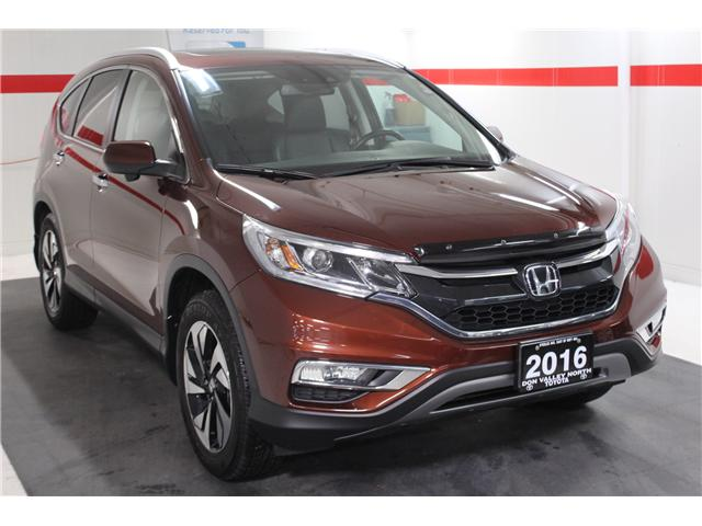 2016 Honda CR-V Touring (Stk: 298028S) in Markham - Image 2 of 26