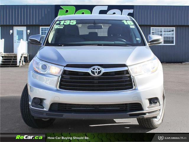 2016 Toyota Highlander LE (Stk: 190496A) in Fredericton - Image 2 of 23
