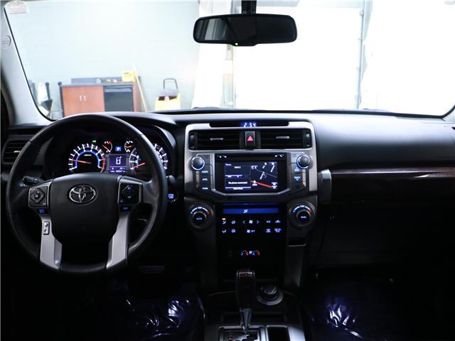 2016 Toyota 4Runner SR5 (Stk: 195301) in Kitchener - Image 6 of 31