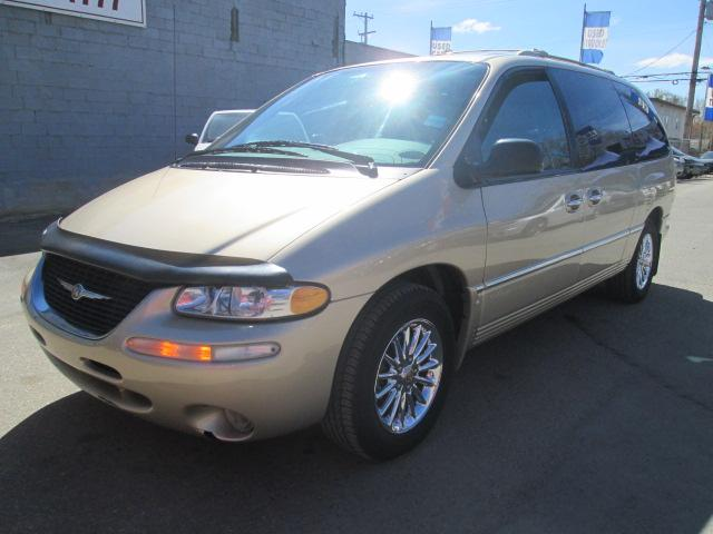 2000 Chrysler Town & Country Limited (Stk: bp619) in Saskatoon - Image 2 of 17