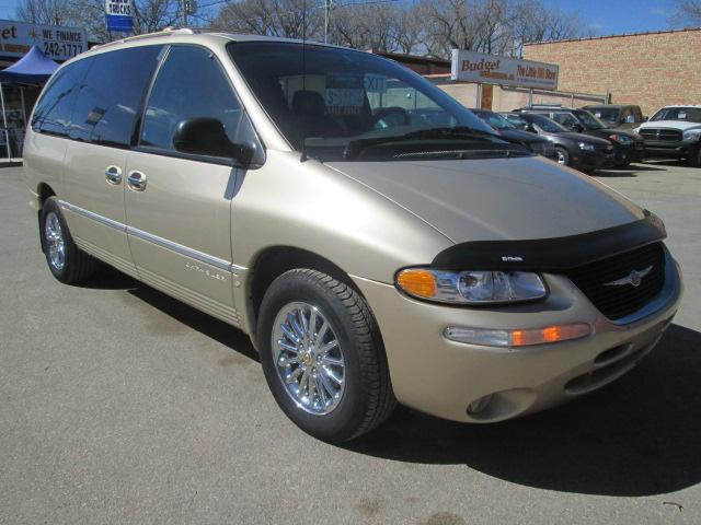 2000 Chrysler Town & Country Limited (Stk: bp619) in Saskatoon - Image 6 of 17