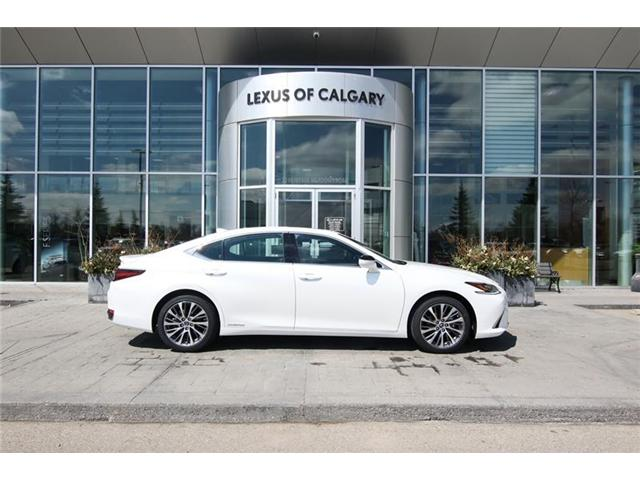 2019 Lexus ES 300h Base (Stk: 190432) in Calgary - Image 2 of 14