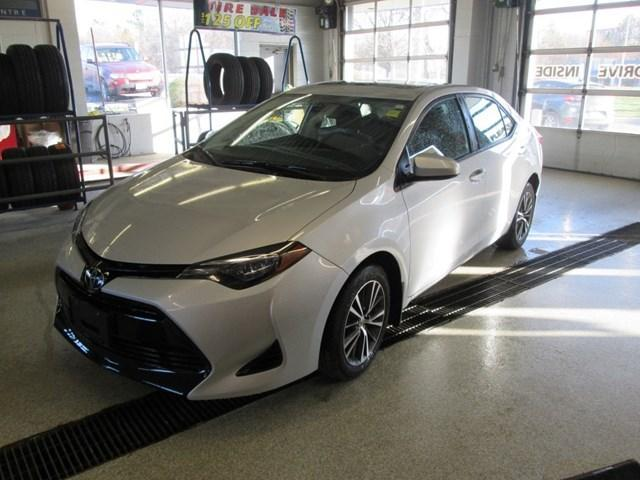 2018 Toyota Corolla LE (Stk: M2638) in Gloucester - Image 1 of 20