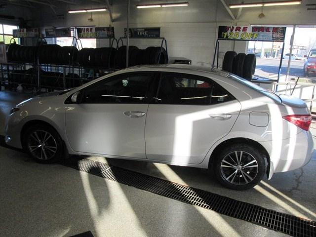 2018 Toyota Corolla LE (Stk: M2638) in Gloucester - Image 2 of 20