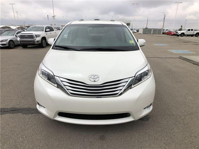 2017 Toyota Sienna  (Stk: 2801713A) in Calgary - Image 2 of 20