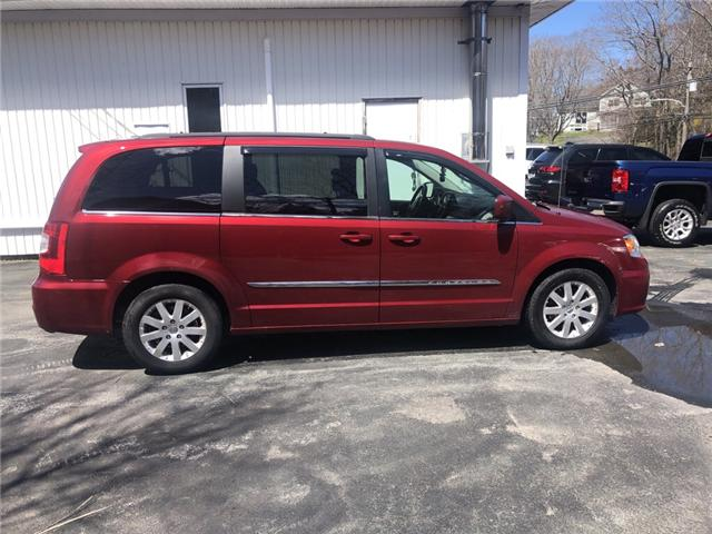 2015 Chrysler Town & Country Touring (Stk: ) in Dartmouth - Image 4 of 9