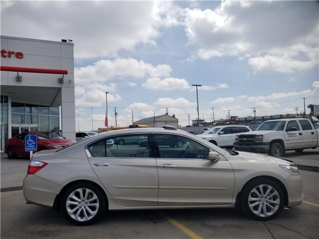 2015 Honda Accord Touring V6 (Stk: 2190515A) in Calgary - Image 2 of 30
