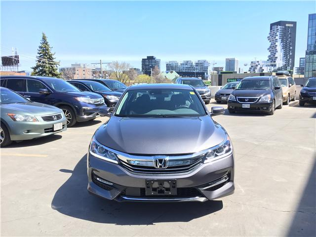 2017 Honda Accord EX-L (Stk: HP3321) in Toronto - Image 2 of 19