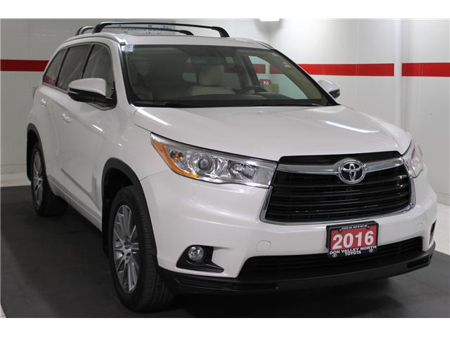 2016 Toyota Highlander XLE (Stk: 298106S) in Markham - Image 2 of 27