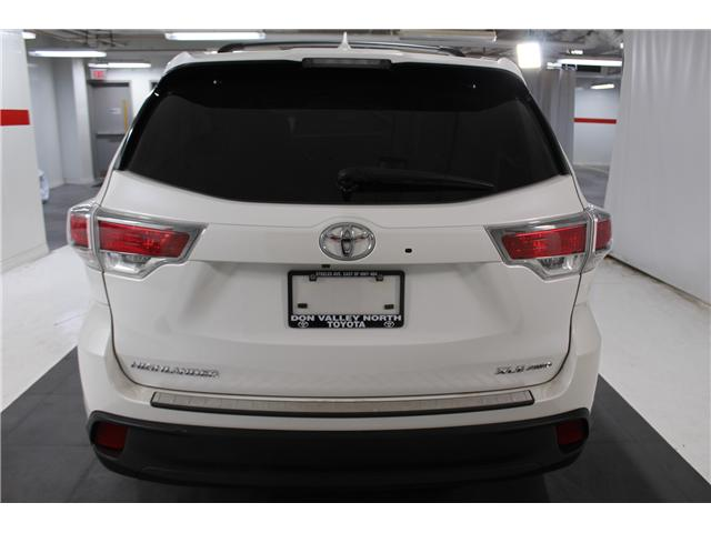 2016 Toyota Highlander XLE (Stk: 298106S) in Markham - Image 22 of 27
