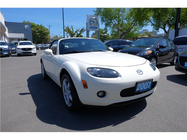 2007 Mazda MX-5 GX (Stk: 304066A) in Victoria - Image 1 of 15