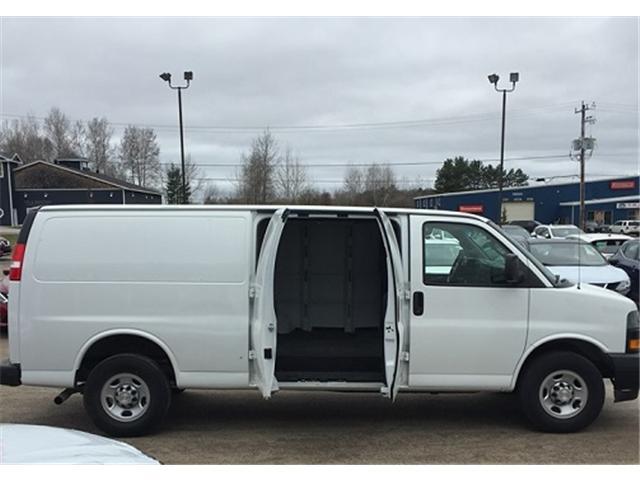 2018 Chevrolet Express 2500 Work Van (Stk: UC162) in Bracebridge - Image 2 of 7