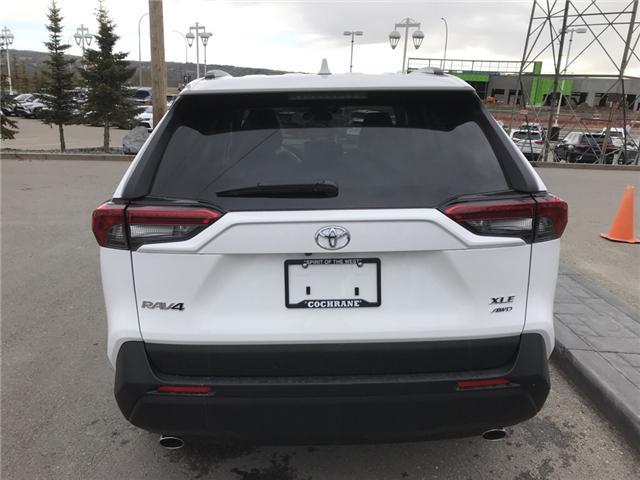 2019 Toyota RAV4 XLE (Stk: 190253) in Cochrane - Image 4 of 14
