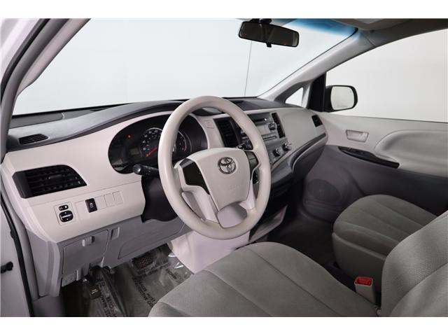 2014 Toyota Sienna Base (Stk: 52451) in Huntsville - Image 19 of 28