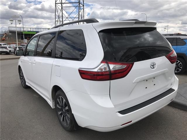 2019 Toyota Sienna LE 7-Passenger (Stk: 2846) in Cochrane - Image 3 of 14
