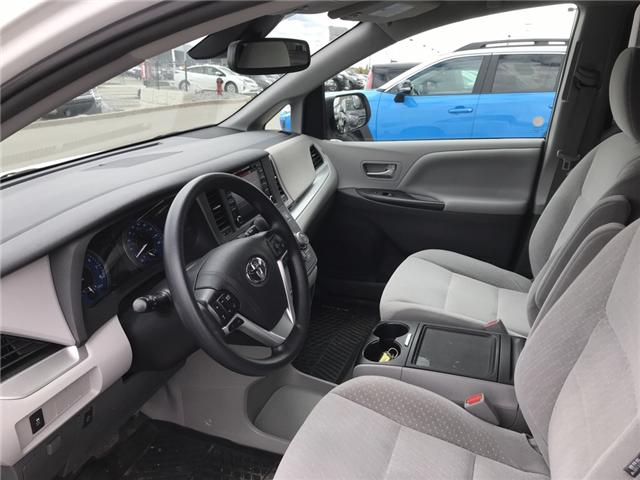 2019 Toyota Sienna LE 7-Passenger (Stk: 2846) in Cochrane - Image 11 of 14