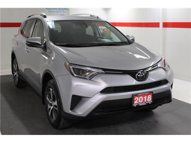 2018 Toyota RAV4 LE (Stk: 298154S) in Markham - Image 2 of 24
