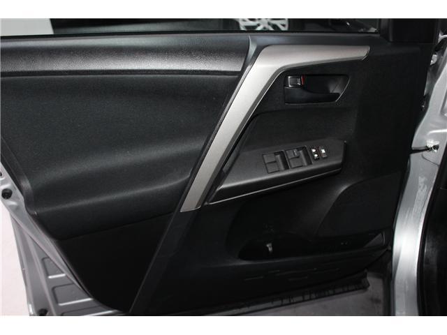 2018 Toyota RAV4 LE (Stk: 298154S) in Markham - Image 5 of 24