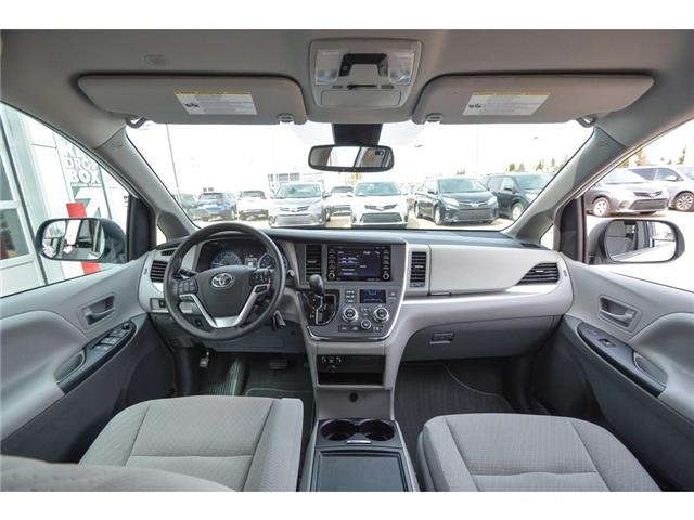 2019 Toyota Sienna LE 8-Passenger (Stk: SIK097) in Lloydminster - Image 2 of 15