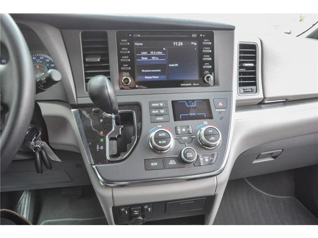 2019 Toyota Sienna LE 8-Passenger (Stk: SIK097) in Lloydminster - Image 7 of 15