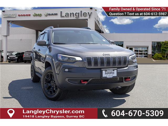 2019 Jeep Cherokee Trailhawk (Stk: K648637A) in Surrey - Image 1 of 27