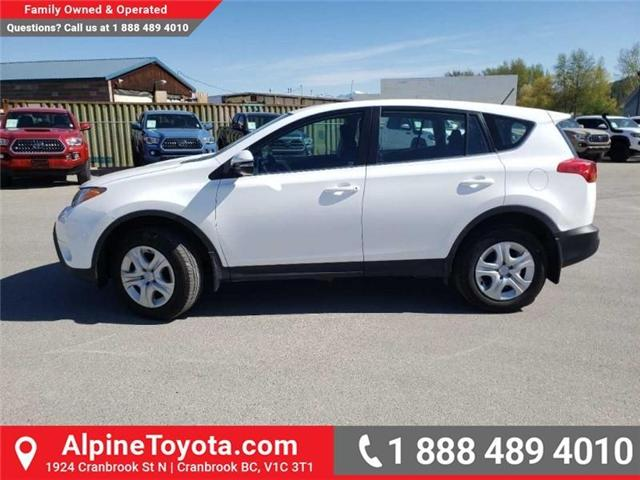 2015 Toyota RAV4 LE (Stk: W041295A) in Cranbrook - Image 2 of 16