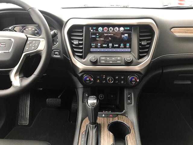 2019 GMC Acadia Denali (Stk: 9A67220) in North Vancouver - Image 7 of 13
