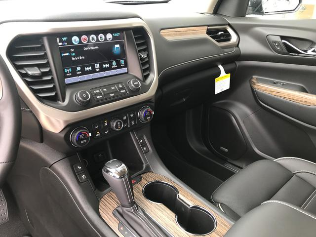 2019 GMC Acadia Denali (Stk: 9A67220) in North Vancouver - Image 8 of 13