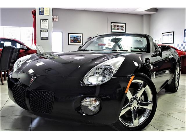 2009 Pontiac Solstice Base (Stk: -) in Bolton - Image 1 of 22