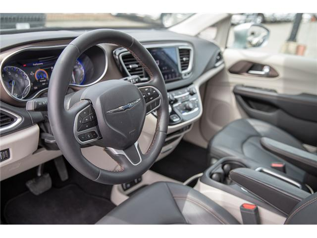 2018 Chrysler Pacifica Touring-L Plus (Stk: EE908800) in Surrey - Image 10 of 26