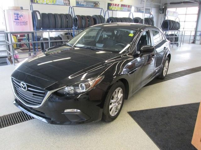 2015 Mazda Mazda3 GS (Stk: 207111) in Gloucester - Image 1 of 18
