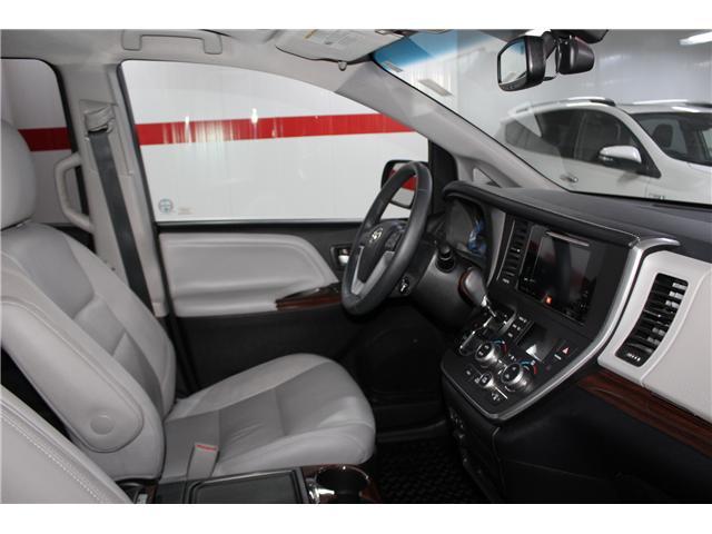 2016 Toyota Sienna Limited 7-Passenger (Stk: 298181S) in Markham - Image 16 of 28
